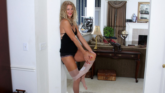 Milfs and swinging couples something